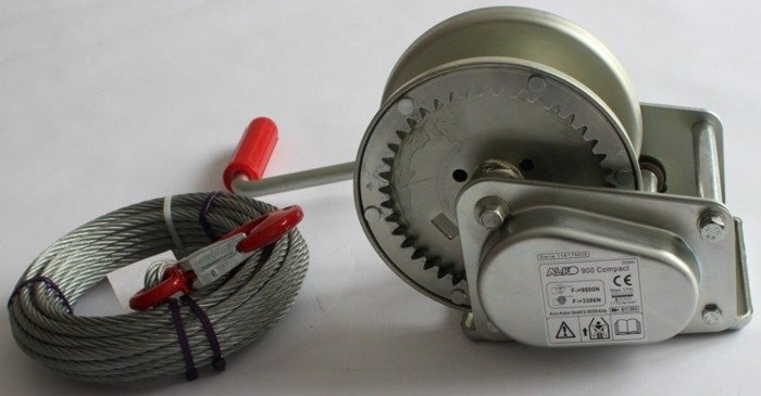 Hand winch AL-KO 900C 8.75:1 900 kg with cable trailer