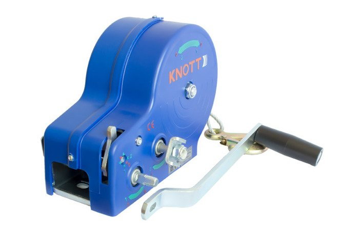 Hand winch for boat trailers 1135 kg with rope and cover Knott