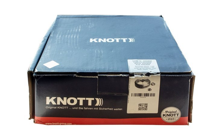 KNOTT brake drum with bearing 200x50 5x112